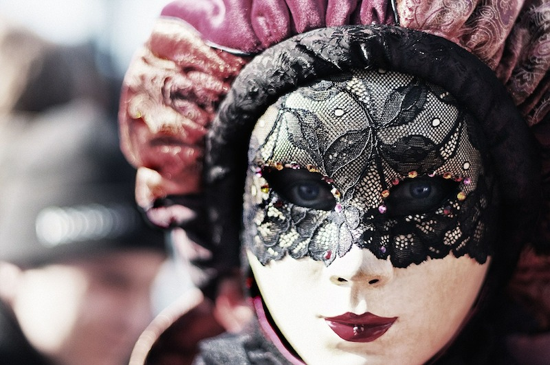 Maska na benátském karnevalu.