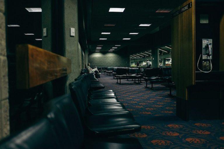 Čekání na letišti