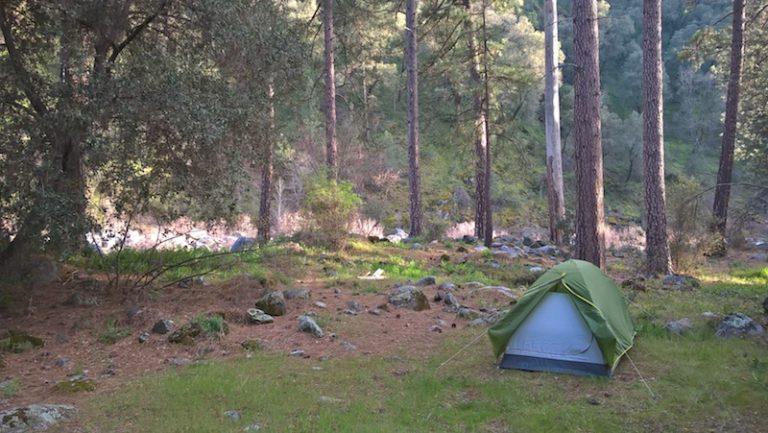 Kempování v Yosemitském národním parku v Kalifornii