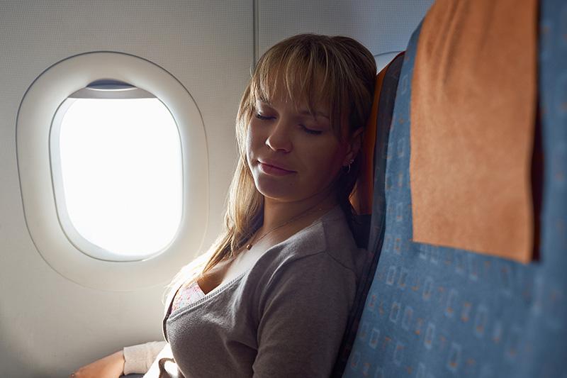 Spánek v letadle