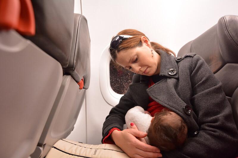 Kojení letadlo miminko