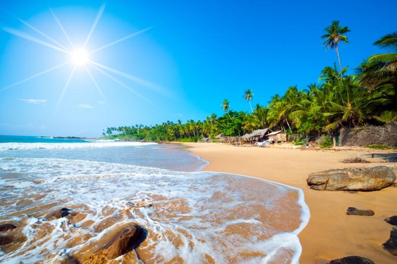Tropická pláž na Srí Lance